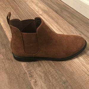 Brown H&M Chelsea boots